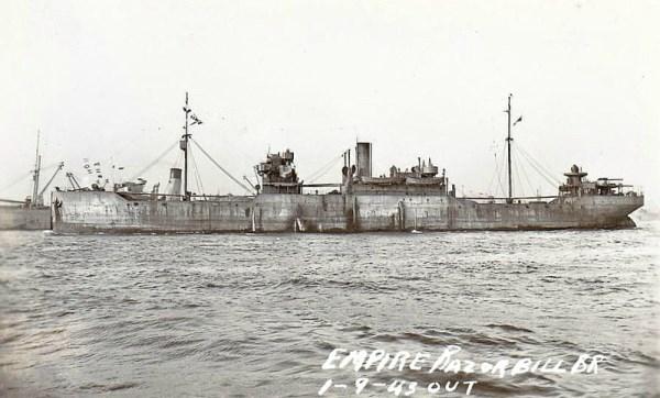 La guerre sous-marine et de surface 1939 - 1945 - Page 55 Empire17