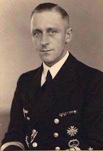 La guerre sous-marine et de surface 1939 - 1945 - Page 3 Ewerth10