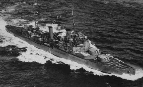La guerre sous-marine et de surface 1939 - 1945 - Page 3 Fiji_211