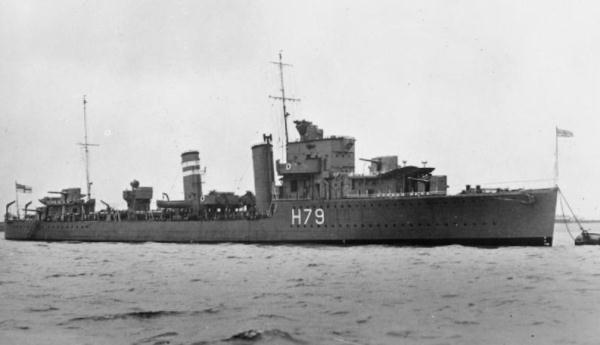La guerre sous-marine et de surface 1939 - 1945 - Page 3 Firedr10