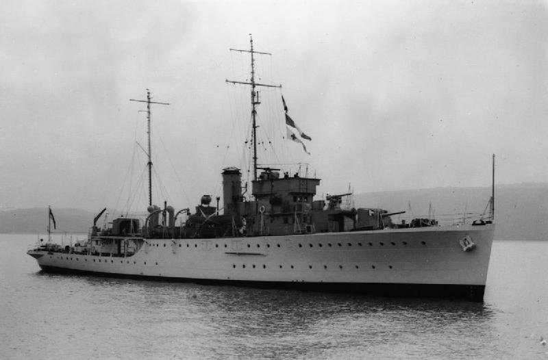La guerre sous-marine et de surface 1939 - 1945 - Page 70 Grimsb10