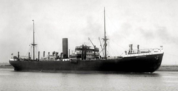 La guerre sous-marine et de surface 1939 - 1945 - Page 62 Groote10