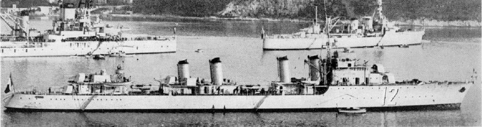 La guerre sous-marine et de surface 1939 - 1945 - Page 6 Guepar10