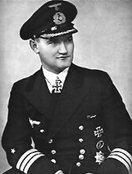 La guerre sous-marine et de surface 1939 - 1945 - Page 6 Hartma10