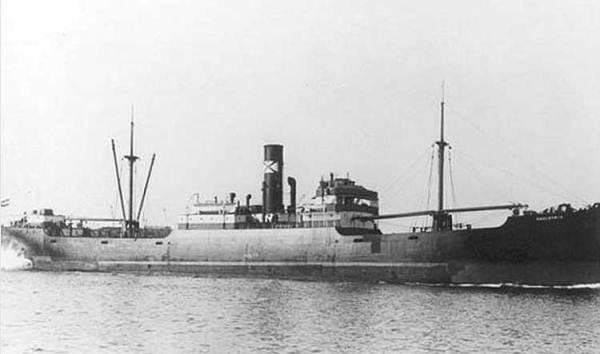 La guerre sous-marine et de surface 1939 - 1945 - Page 44 Hauler10