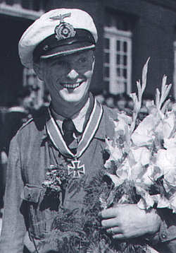 La guerre sous-marine et de surface 1939 - 1945 Hessle14