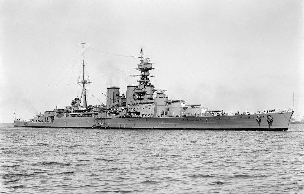 La guerre sous-marine et de surface 1939 - 1945 - Page 70 Hood_510
