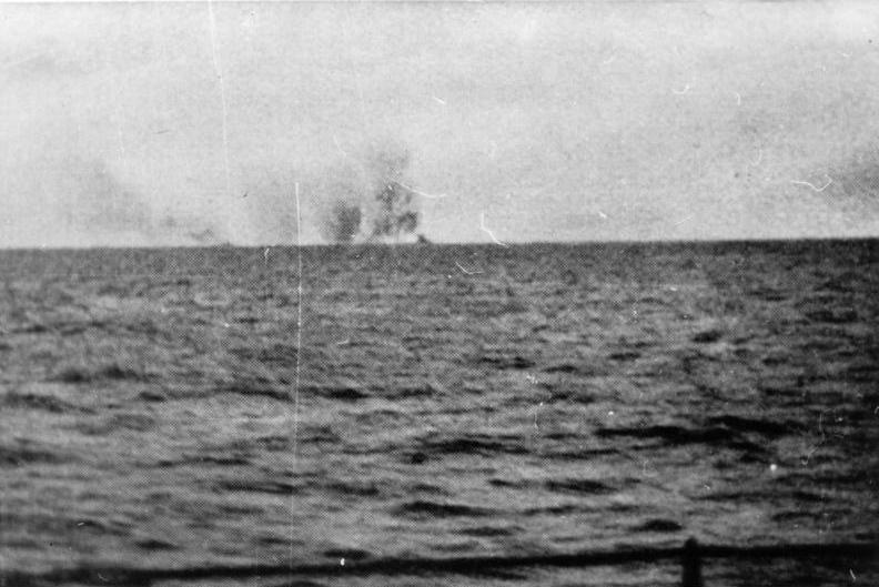 La guerre sous-marine et de surface 1939 - 1945 - Page 70 Hood_s10