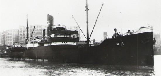La guerre sous-marine et de surface 1939 - 1945 - Page 9 Inga_i10