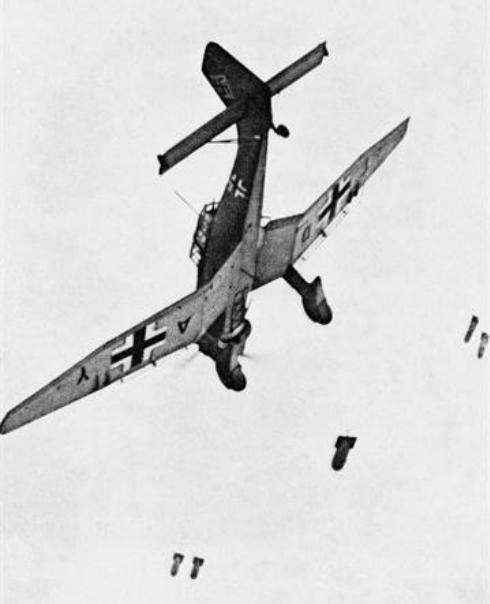 La guerre sous-marine et de surface 1939 - 1945 Junker21