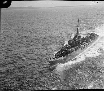 La guerre sous-marine et de surface 1939 - 1945 - Page 35 Kharto10