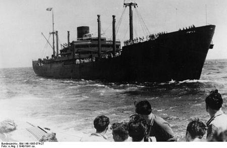 La guerre sous-marine et de surface 1939 - 1945 - Page 64 Kormor12