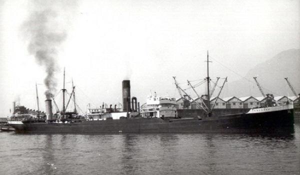 La guerre sous-marine et de surface 1939 - 1945 - Page 19 Leo_da10