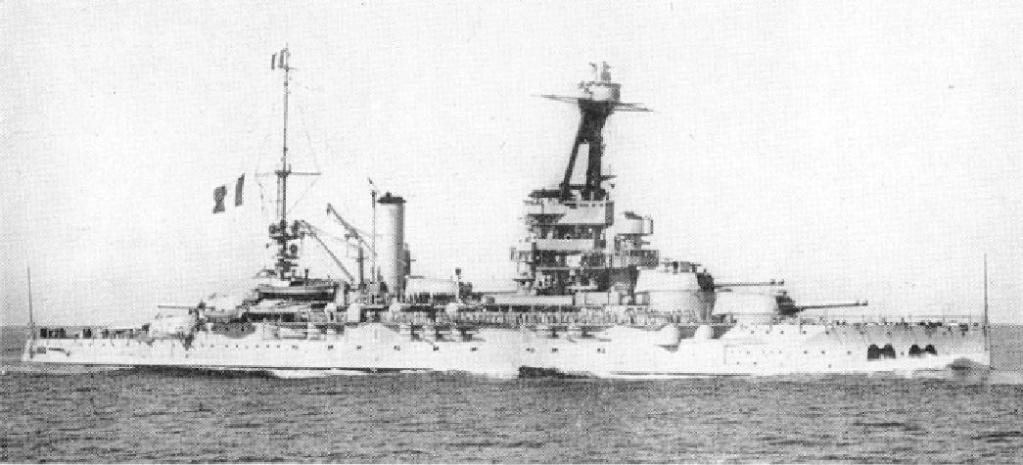 La guerre sous-marine et de surface 1939 - 1945 - Page 36 Lorrai10