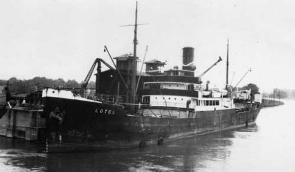La guerre sous-marine et de surface 1939 - 1945 - Page 43 Lotos10