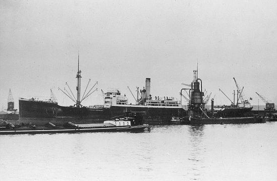 La guerre sous-marine et de surface 1939 - 1945 - Page 35 Luxemb10