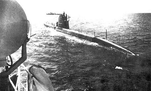 La guerre sous-marine et de surface 1939 - 1945 - Page 9 M9410