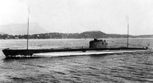 La guerre sous-marine et de surface 1939 - 1945 - Page 55 Narval10
