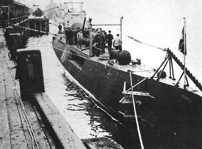 La guerre sous-marine et de surface 1939 - 1945 - Page 51 O2211