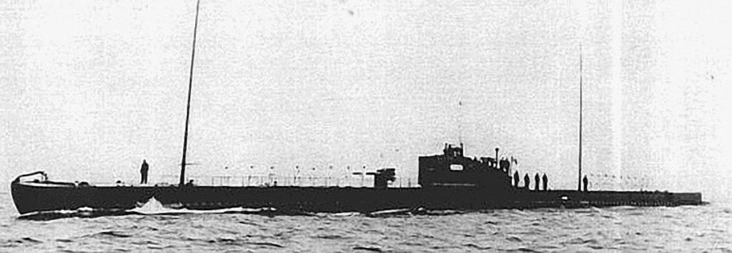 La guerre sous-marine et de surface 1939 - 1945 - Page 44 Perse-11