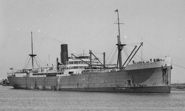 La guerre sous-marine et de surface 1939 - 1945 Port_h10