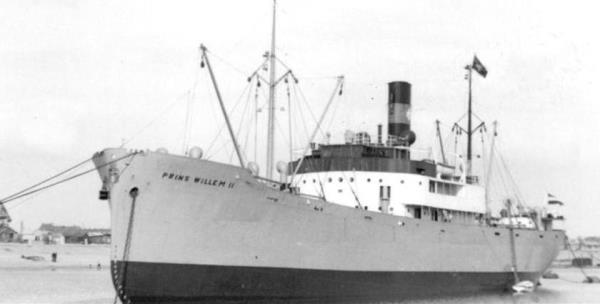 La guerre sous-marine et de surface 1939 - 1945 - Page 66 Prins_10