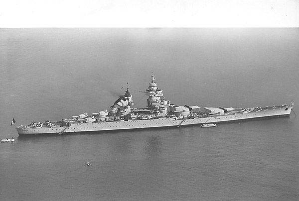 La guerre sous-marine et de surface 1939 - 1945 - Page 36 Richel10