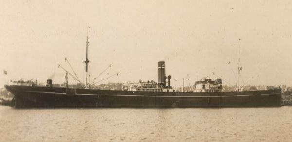 La guerre sous-marine et de surface 1939 - 1945 - Page 70 Rinda10