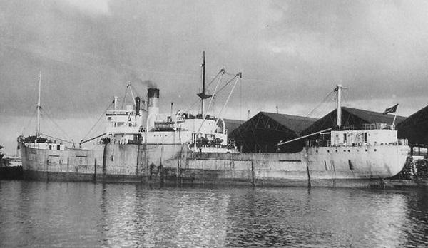 La guerre sous-marine et de surface 1939 - 1945 - Page 60 Ringho11