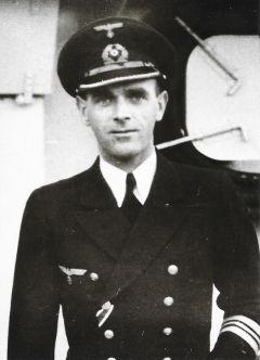 La guerre sous-marine et de surface 1939 - 1945 - Page 19 Scheri12