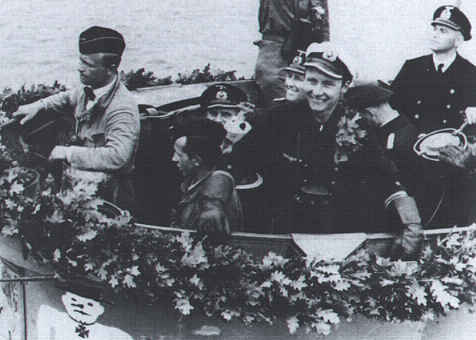 La guerre sous-marine et de surface 1939 - 1945 - Page 12 Schnee14