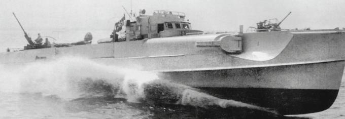 La guerre sous-marine et de surface 1939 - 1945 - Page 56 Schnel12