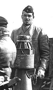 La guerre sous-marine et de surface 1939 - 1945 - Page 27 Schulz10