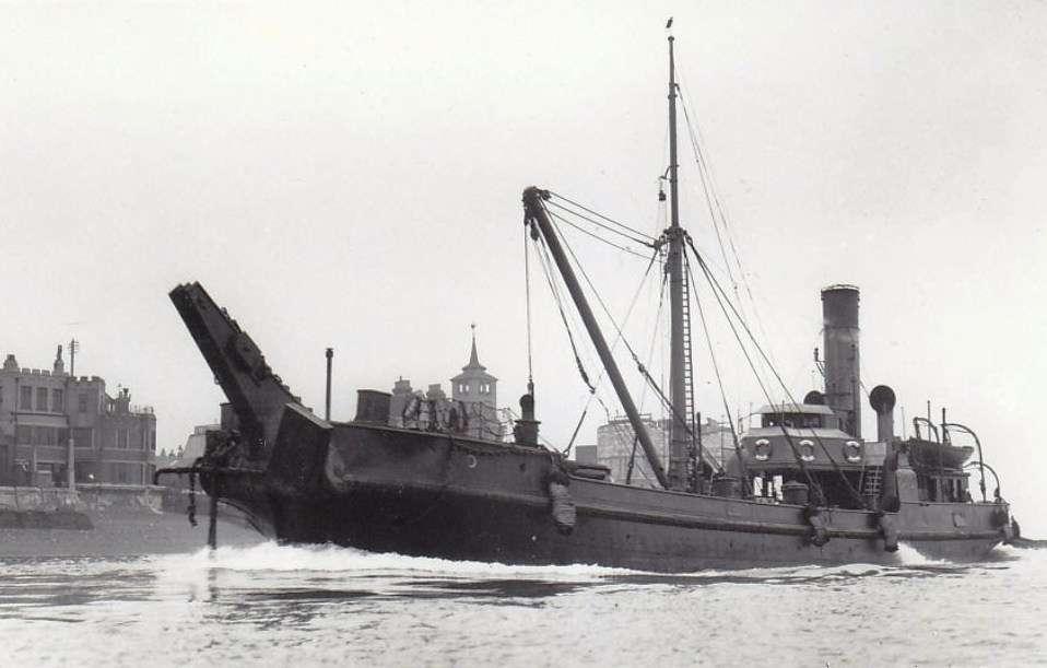 La guerre sous-marine et de surface 1939 - 1945 - Page 37 Steady10