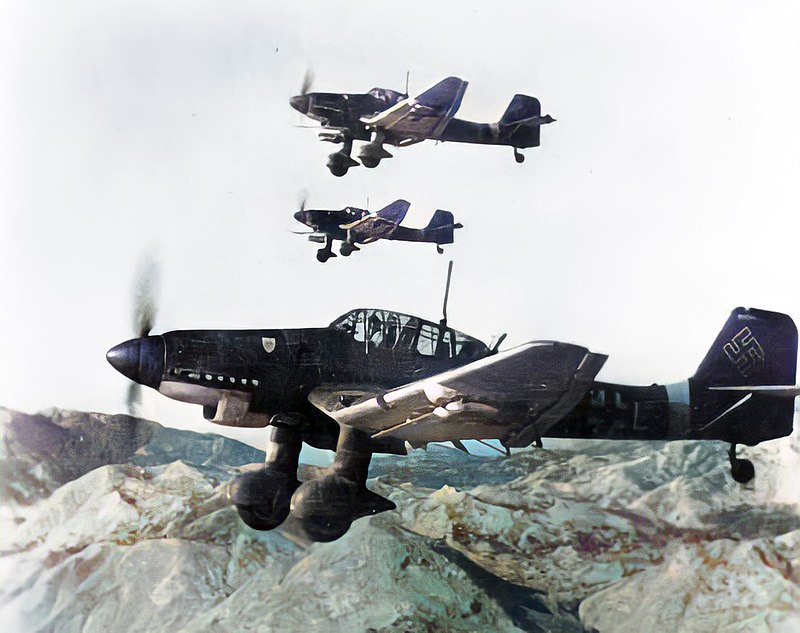 La guerre sous-marine et de surface 1939 - 1945 Stuka11