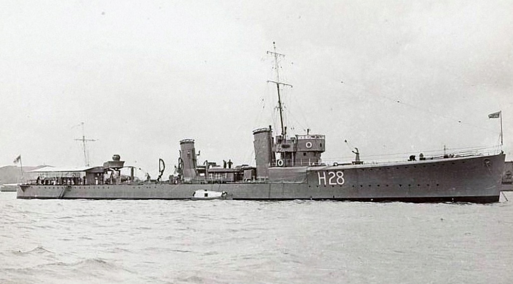 La guerre sous-marine et de surface 1939 - 1945 - Page 48 Sturdy11