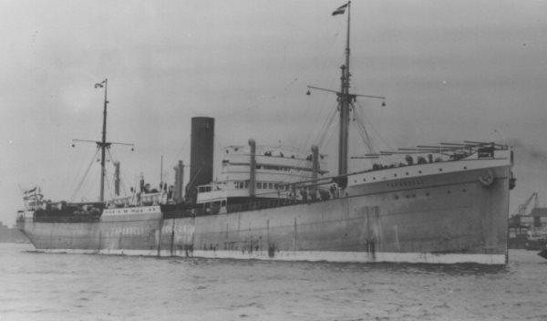La guerre sous-marine et de surface 1939 - 1945 - Page 64 Tapano10