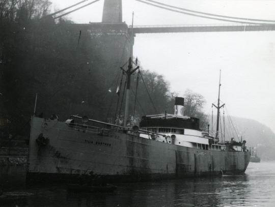 La guerre sous-marine et de surface 1939 - 1945 - Page 35 Tilia_10
