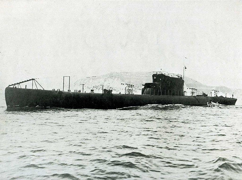 La guerre sous-marine et de surface 1939 - 1945 - Page 46 Toti10