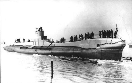 La guerre sous-marine et de surface 1939 - 1945 - Page 5 Triump10