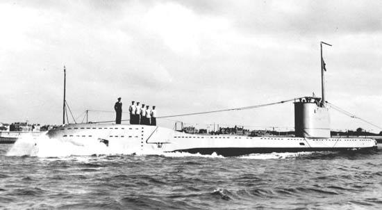 La guerre sous-marine et de surface 1939 - 1945 - Page 16 Undine10
