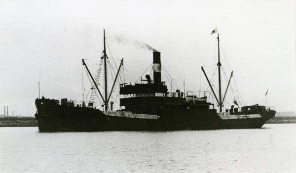 La guerre sous-marine et de surface 1939 - 1945 - Page 51 Veroni10