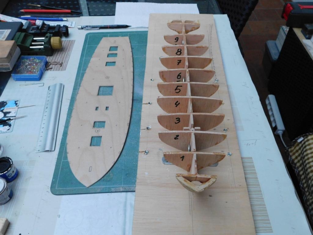 La toulonnaise 1823 kit AL au 1/70 Dscn0213