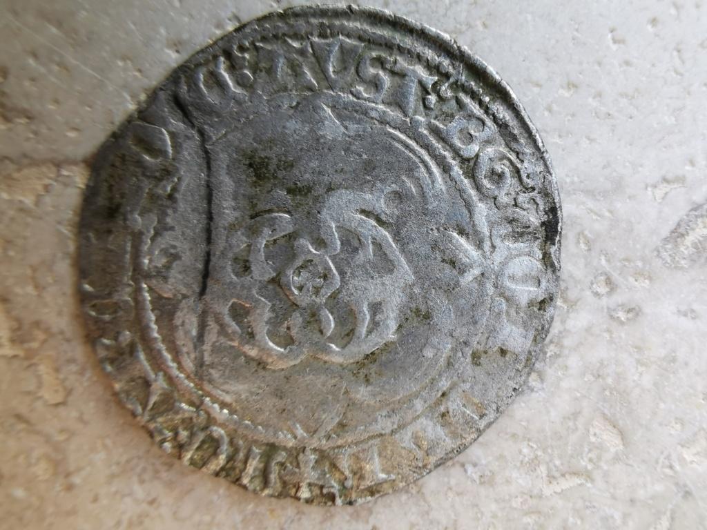 Monnaie du XV ème siècle  Img_2027