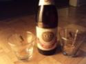 une grosse biere dow medaille d or plus 4 verre dow Dsc00314