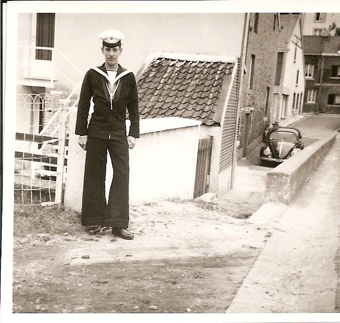 uniforme : renseigement technique - Page 2 Moi19610