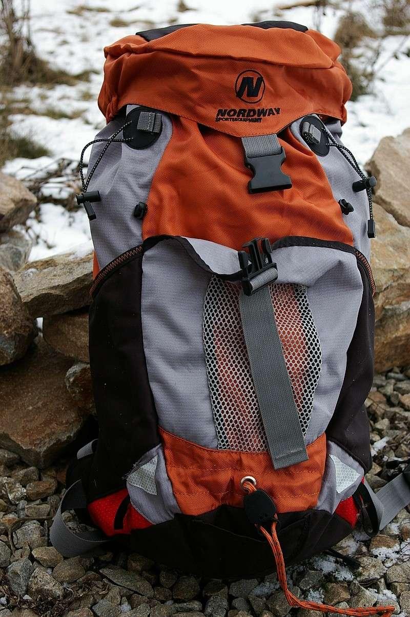 Продаётся заплечный сорокалитровый рюкзак Nordway Walk 40 Sg1l0910