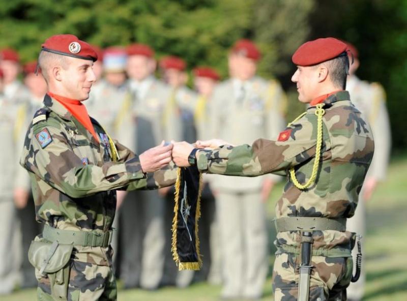Le capitaine Clément Bertin succède au capitaine Tristan Zeller -2e batterie - 35e RAP 35e_rg10
