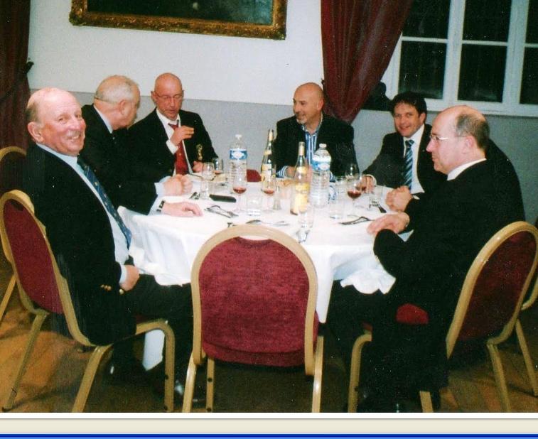 Dîner-débat de la section UNP-Versailles avec le colonel Jacque HOGARD le 21 mars 2011 Unp_ve10