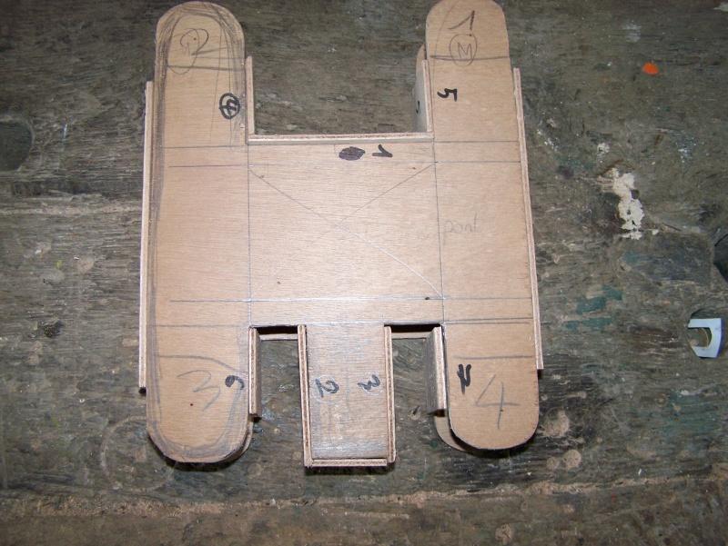 maquette de benji (bateau avec roue à l'avant) 100_2710